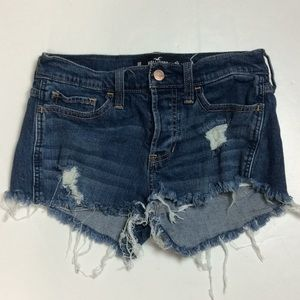 Hollister Low Rise Boyfriend Distressed Shorts 0R